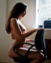 http://thumbnails116.imagebam.com/47750/914d37477497668.jpg