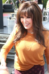 Marie Osmond - Greeting fans at 'Extra', April 11th 2016