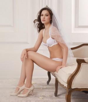 Невесты в нижнем белье. 18+