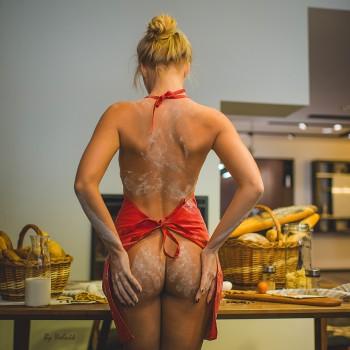 Красотки на кухне. 18+