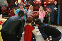 "Dove Cameron in 'Liv and Maddie' S3EP16 ""Scoop-A-Rooney"" x2"