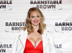 Kate Upton at The Barnstable Brown Gala in Louisville, Kentucky - 5/6/16