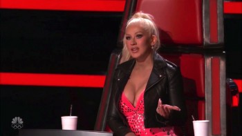 CHRISTINA AGUILERA - CLEAVAGE - The Voice 2016