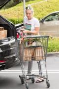 Miley Cyrus - Shopping in LA 5/9/16