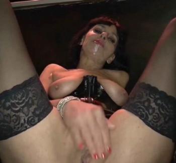 Sarah - Hot Sarah barfuck anal (2014) 1080p