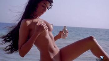 Angela Diaz Beach Beauty (2016) HD 1080p