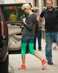 Taylor Swift - Leaving the Gym 6/12/16