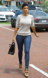 Nicole Murphy - Candids Wearing Tight Jeans and Backless Sweater Shopping In Malibu (6/12/16) Ass Shots!!
