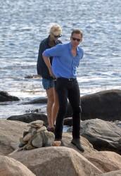 Taylor Swift - with new boyfriend (?) Tom Hiddleston on a Rhode Island beach - 06/14/16