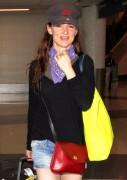 Juliette Lewis | Arriving @ LAX | June 22 | 26 pics