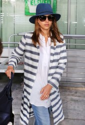 Jessica Alba - Pearson International Airport in Toronto 6/27/16