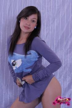 http://thumbnails116.imagebam.com/49250/b66e6d492492650.jpg