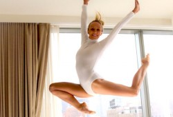 Nastia Liukin: She's back in a leotard!