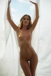 http://thumbnails116.imagebam.com/49504/d81142495032616.jpg
