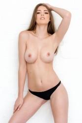 http://thumbnails116.imagebam.com/49555/e88ad2495544647.jpg