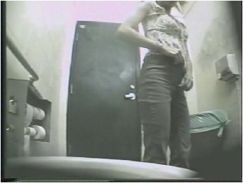 Скрытая камера девка реально кончила180