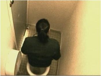 Писсинг скрытая камера в мужском туалете 157