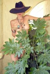 http://thumbnails116.imagebam.com/49573/046340495727260.jpg