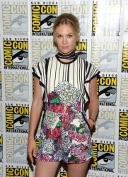 January Jones - 'The Last Man On Earth' Press Line during 2016 Comic-Con in San Diego 7/23/16