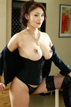 Busty MILF Reiko Loves Anal 576p Cover