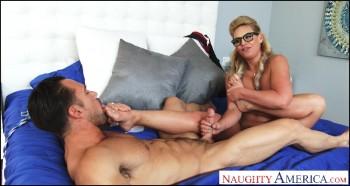 MyFriendsHotGirl  NaughtyAmerica4k  NaughtyAmerica  Phoenix Marie  21443  20 07 16   2160p