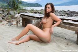 http://thumbnails116.imagebam.com/49824/641755498232819.jpg
