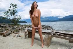 http://thumbnails116.imagebam.com/49824/f97027498231159.jpg