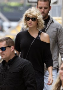 Taylor Swift - in tight leggings at a gym in NYC - 08/08/16