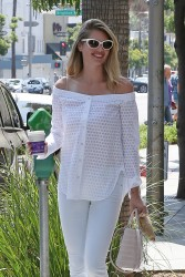 Kate Upton - Getting coffee in Beverly Hills 8/11/16