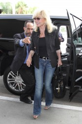 Loni Anderson - Arriving at LAX (8/12/16)