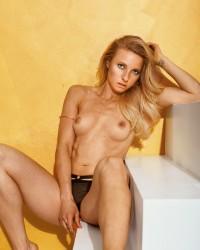 http://thumbnails116.imagebam.com/49988/1c4131499878803.jpg