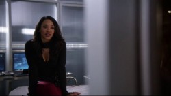 """Candice Patton & Danielle Panabaker """"The 16"""