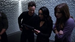 """Candice Patton & Danielle Panabaker """"The 34"""