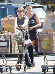Ariel Winter - Shopping at Whole Foods in LA 8/27/16