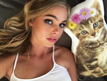 Elizabeth Turner - social Media Thread