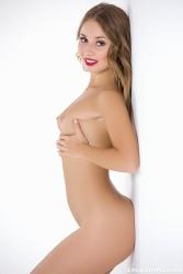 http://thumbnails116.imagebam.com/50230/40d432502290601.jpg