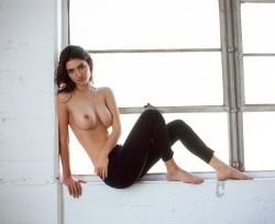 http://thumbnails116.imagebam.com/50249/2e9440502484660.jpg
