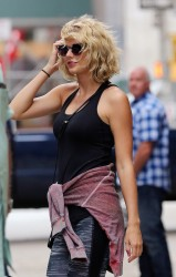 Taylor Swift - Leaving the gym 9/06/16