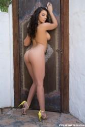 http://thumbnails116.imagebam.com/50337/da6251503361249.jpg