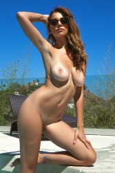 http://thumbnails116.imagebam.com/50433/4f3b10504328417.jpg
