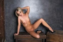http://thumbnails116.imagebam.com/50518/b120e9505173580.jpg
