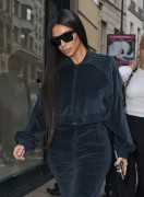 Kim Kardashian - Shopping in Paris 10/1/16