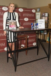 Lindsey Vonn - 'Strong Is the New Beautiful' Book Signing 10/7/16