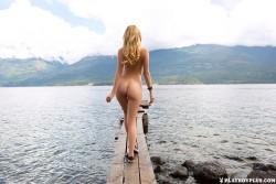 http://thumbnails116.imagebam.com/50902/f6729a509013585.jpg