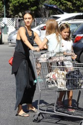 Jessica Alba - Shopping in Beverly Hills 10/9/16