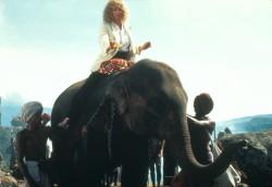 Индиана Джонс и храм судьбы / Indiana Jones and the Temple of Doom (Харрисон Форд, Кейт Кэпшоу, 1984) 31ea44509893592