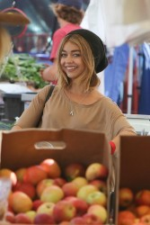 Sarah Hyland - Shopping in LA 10/16/16