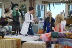 "Dove Cameron in 'Liv and Maddie: Cali Style' S4EP03 ""Scare-A-Rooney"" x4"