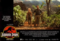 Парк Юрского периода / Jurassic Park (Сэм Нил, Джефф Голдблюм, Лора Дерн, 1993)  A4fa49513356586