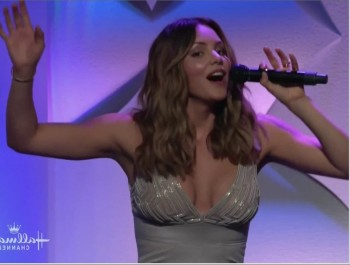Katharine Mcphee - Hero Dog Awards CLEAVAGE 161028